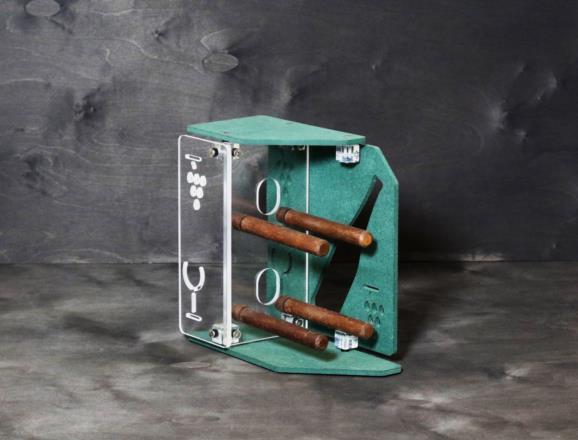 Portabottiglie verticale STAR in MDF colorato in pasta 12 colori 8 mm, lato e fondo in metacrilato